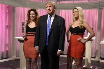 Vanessa Bayer, Donald Trump, Cecily Strong, Saturday Night Live